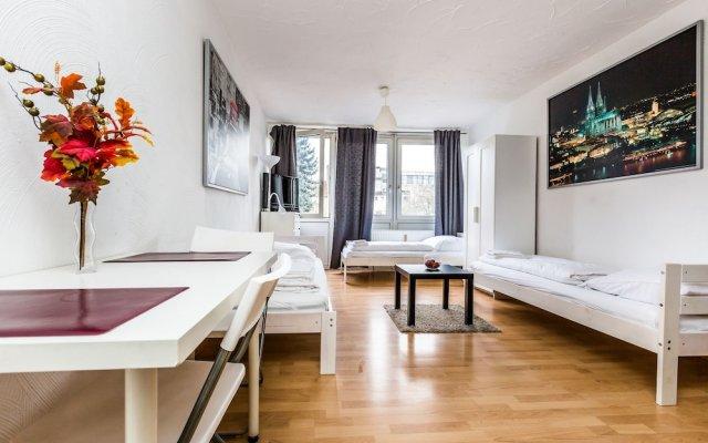 Апартаменты Apartment In Köln Ost Кёльн комната для гостей