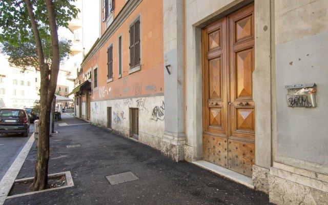 Апартаменты Violet Vatican Apartment вид на фасад