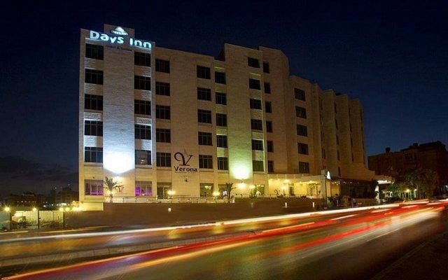 Days Inn Hotel Suites Amman вид на фасад