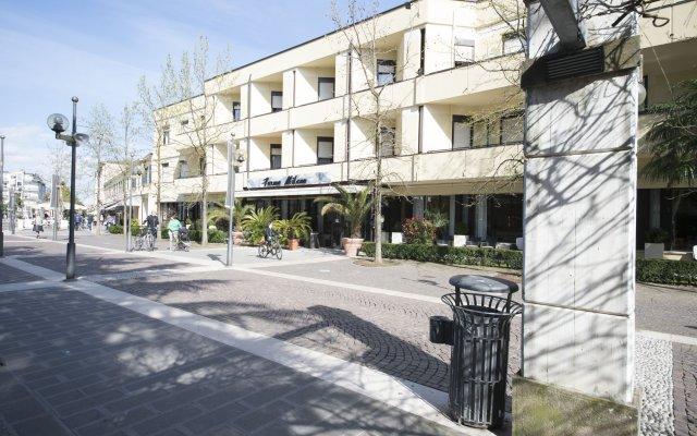 Отель Terme Milano Италия, Абано-Терме - 1 отзыв об отеле, цены и фото номеров - забронировать отель Terme Milano онлайн вид на фасад