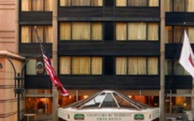 Отель Courtyard by Marriott New York City Manhattan Fifth Avenue США, Нью-Йорк - отзывы, цены и фото номеров - забронировать отель Courtyard by Marriott New York City Manhattan Fifth Avenue онлайн вид на фасад