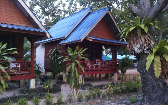 Отель Lanta Sunny House Ланта вид на фасад
