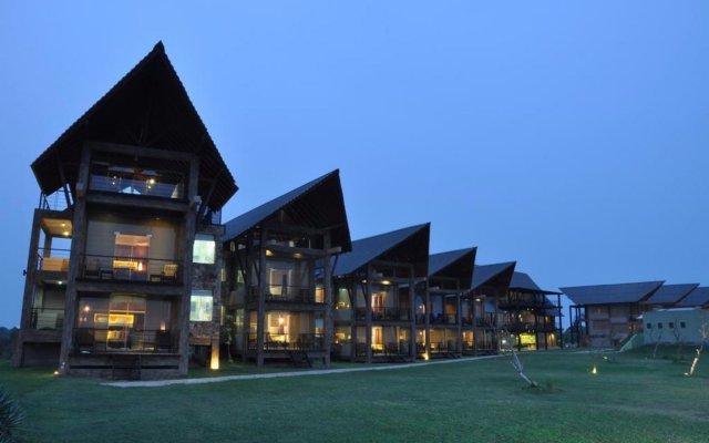 Отель Laya Safari вид на фасад