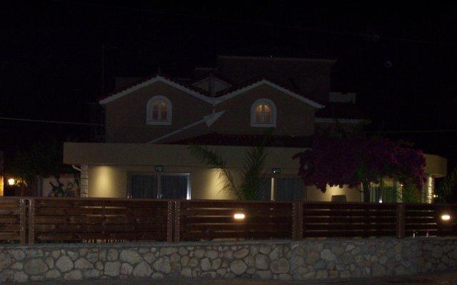 Отель Paradise Apartments Греция, Закинф - отзывы, цены и фото номеров - забронировать отель Paradise Apartments онлайн вид на фасад