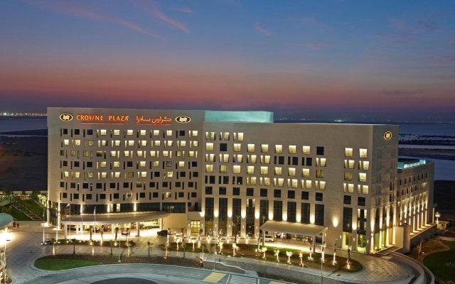Отель Crowne Plaza Abu Dhabi Yas Island вид на фасад