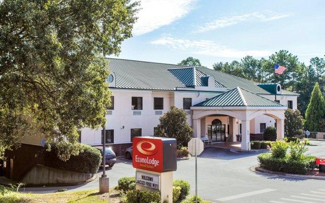 Econo Lodge Inn & Suites 0