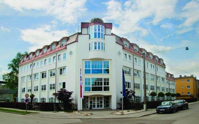 myNext - Summer Hostel Salzburg вид на фасад