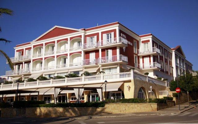 Hotel Port Mahon вид на фасад