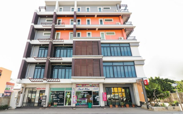 OYO 117 King One Suvarnabhumi Hotel вид на фасад