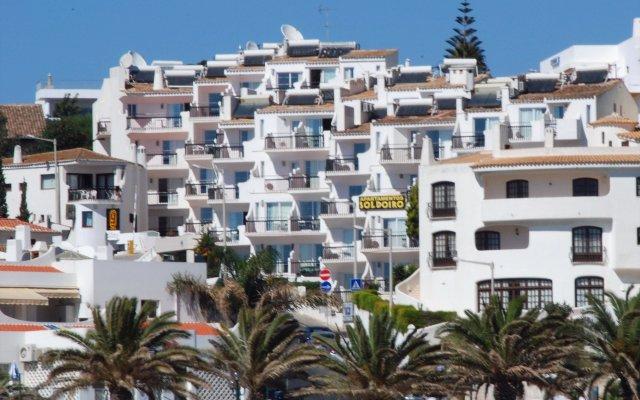 Отель Apartamentos Soldoiro вид на фасад