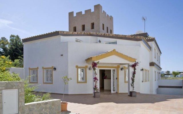 Отель El Parque Andaluz Испания, Кониль-де-ла-Фронтера - отзывы, цены и фото номеров - забронировать отель El Parque Andaluz онлайн вид на фасад