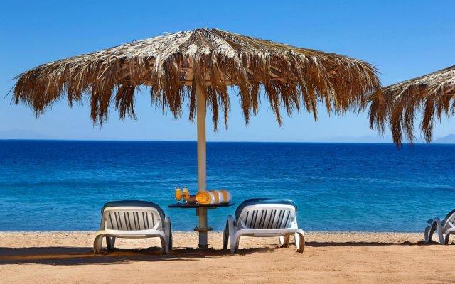 Отель Hilton Taba Resort & Nelson Village пляж