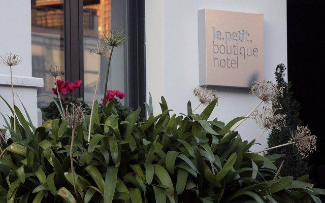 Le Petit Boutique Hotel - Adults Only вид на фасад