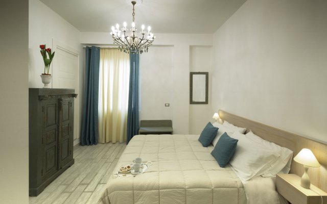Piazza Martiri Rooms
