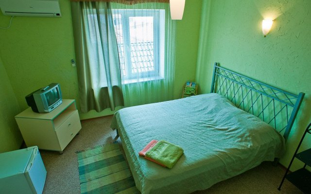 Гостиница Pension Champion комната для гостей