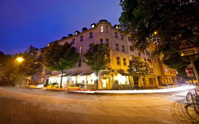 Отель Maxim Novum Дюссельдорф вид на фасад