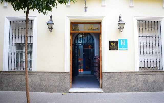 Отель Hostal Roma вид на фасад
