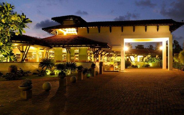 Отель Club Hotel Dolphin Шри-Ланка, Вайккал - отзывы, цены и фото номеров - забронировать отель Club Hotel Dolphin онлайн вид на фасад