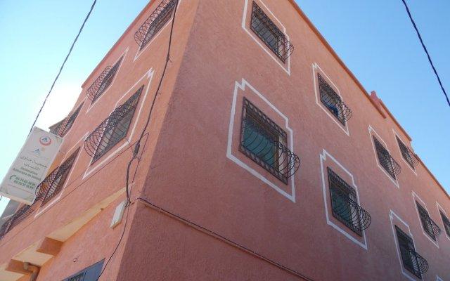 Отель Auberge De Jeunesse Ouarzazate - Hostel Марокко, Уарзазат - отзывы, цены и фото номеров - забронировать отель Auberge De Jeunesse Ouarzazate - Hostel онлайн вид на фасад