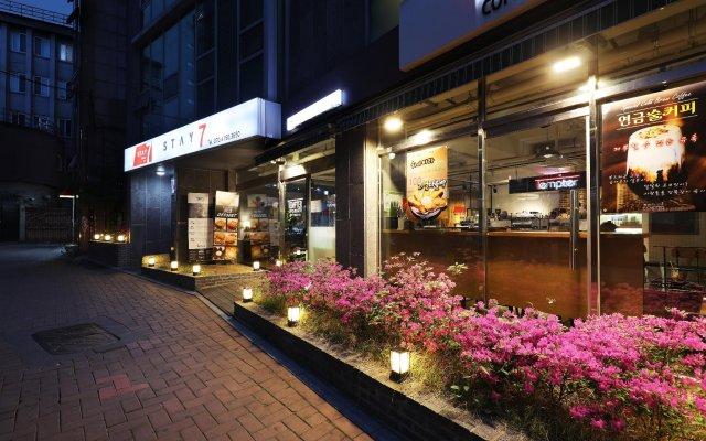 Отель Stay 7 - Hostel (formerly K-Guesthouse Myeongdong 3) Южная Корея, Сеул - 1 отзыв об отеле, цены и фото номеров - забронировать отель Stay 7 - Hostel (formerly K-Guesthouse Myeongdong 3) онлайн вид на фасад