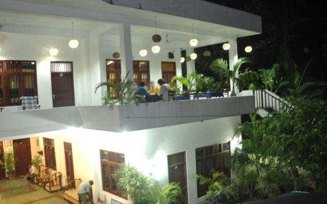 Отель Baywatch Шри-Ланка, Унаватуна - отзывы, цены и фото номеров - забронировать отель Baywatch онлайн вид на фасад