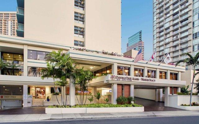 DoubleTree by Hilton Hotel Alana - Waikiki Beach вид на фасад