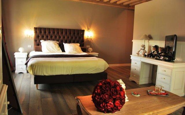 Отель Chateau Rougesse комната для гостей