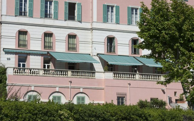 Le Saint Paul Hotel вид на фасад