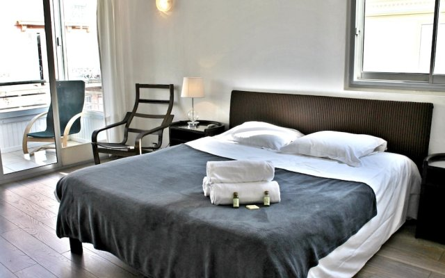 Central 1 Bedroom in Luxurious Residence 2