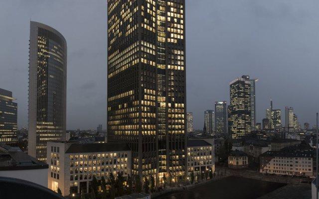 Adina Apartment Hotel Frankfurt Westend вид на фасад