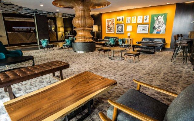 Отель The Liaison интерьер отеля