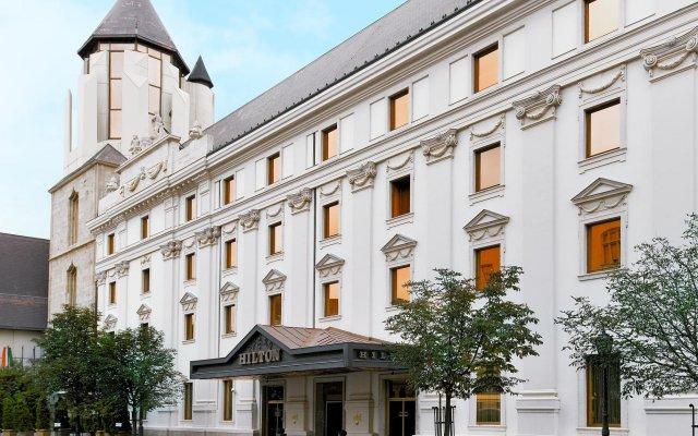 Отель Hilton Budapest вид на фасад