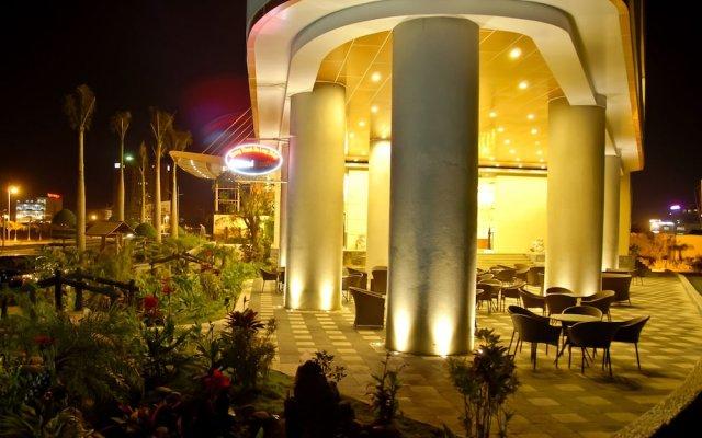 Muong Thanh Grand Ha Long Hotel вид на фасад
