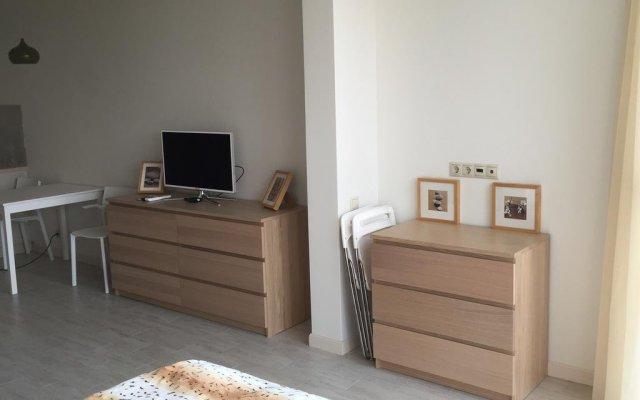 Отель Appartment on Voykova 27 Сочи комната для гостей