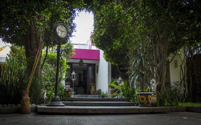 Отель Hostal Cuija Coyoacan Мексика, Мехико - отзывы, цены и фото номеров - забронировать отель Hostal Cuija Coyoacan онлайн вид на фасад