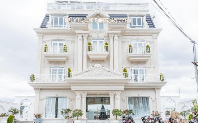 Отель La Vie En Rose Далат вид на фасад