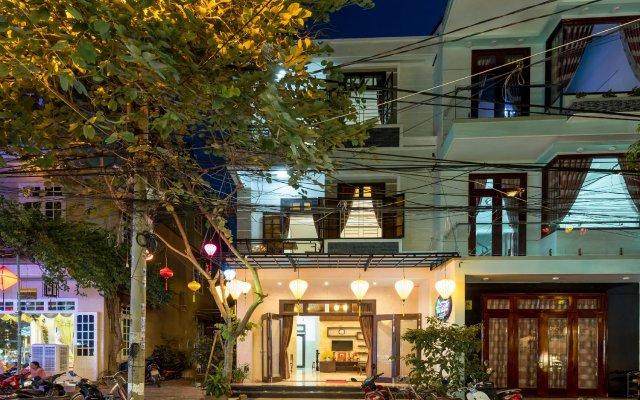 Отель Hoa Thu Homestay Хойан вид на фасад
