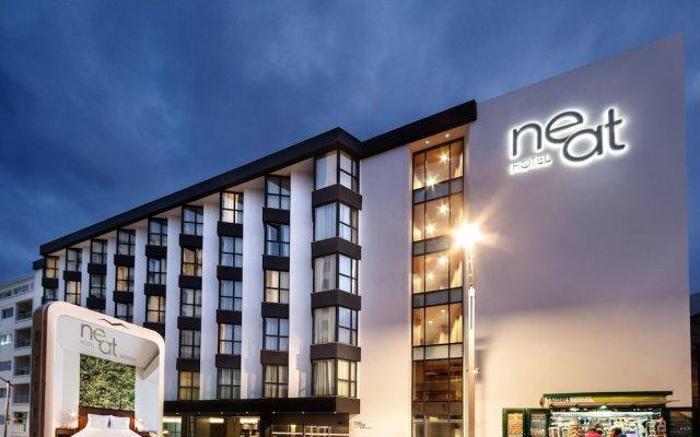 Отель Neat Hotel Avenida Португалия, Понта-Делгада - 1 отзыв об отеле, цены и фото номеров - забронировать отель Neat Hotel Avenida онлайн вид на фасад