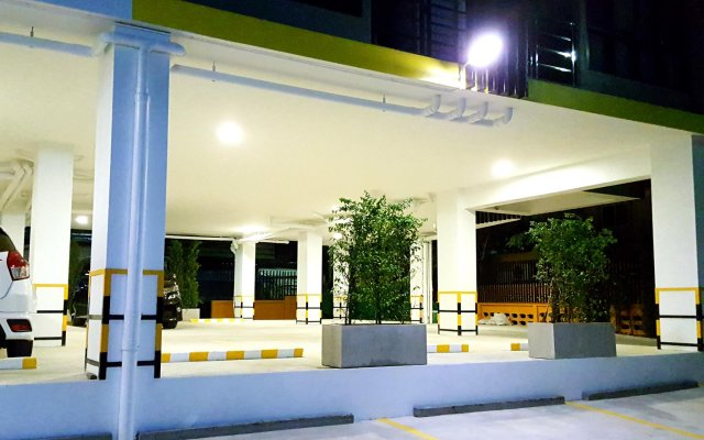 Отель The All 24 Luxury Residence Бангкок вид на фасад