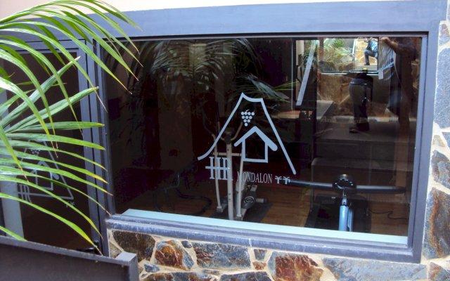 Hotel Rural El Mondalón вид на фасад