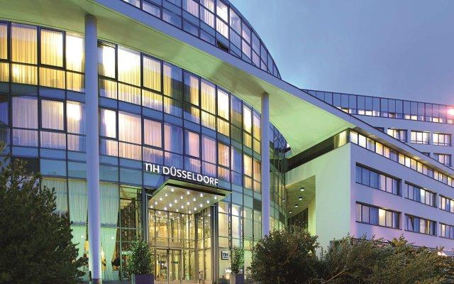 Отель NH Düsseldorf City вид на фасад