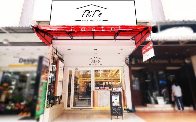 Отель Tkt's Row House Бангкок вид на фасад
