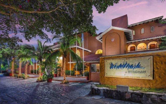 Отель WorldMark Zihuatanejo Мексика, Сиуатанехо - отзывы, цены и фото номеров - забронировать отель WorldMark Zihuatanejo онлайн вид на фасад