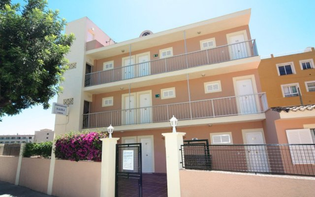 Апартаменты Naika Studios & Apartments вид на фасад
