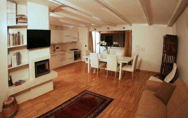 Отель L'attico - Guest House Конверсано комната для гостей