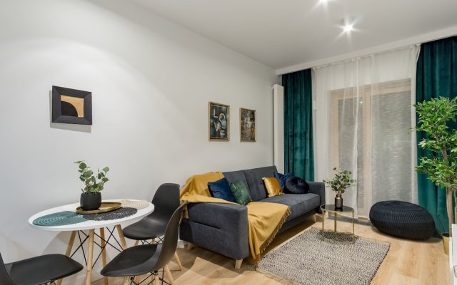 Апартаменты Mennica Residence Chic Apartment комната для гостей