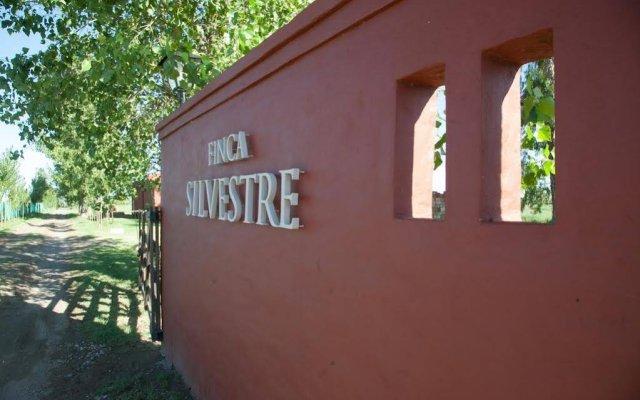 Отель Finca Silvestre Сан-Рафаэль вид на фасад