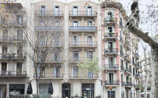 Отель Uma Suites Metropolitan вид на фасад