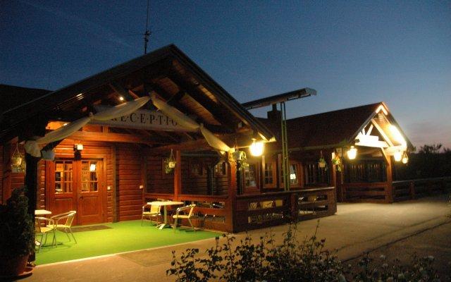 Petnehazy Club Hotel Superior вид на фасад
