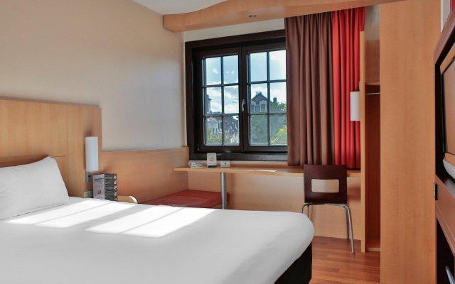 Отель Ibis Off Grand Place Брюссель комната для гостей